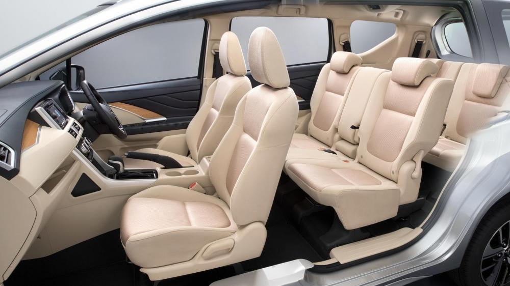 Giá xe ô tô tại Nghệ An, hotline: 0979012676
