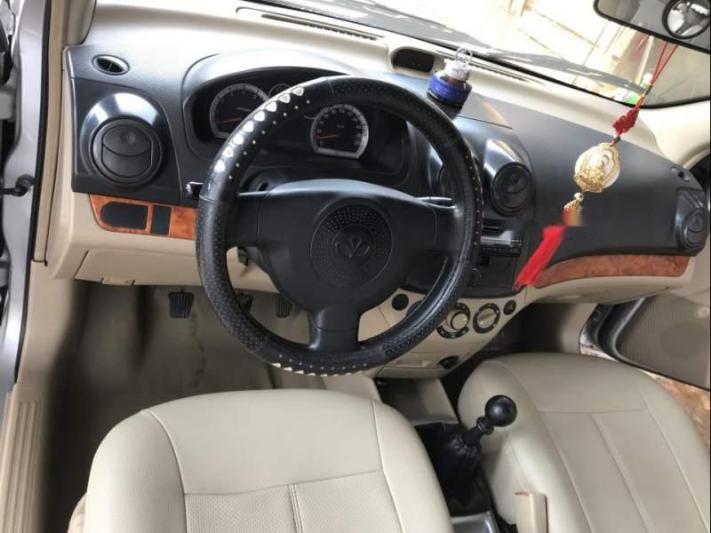 Gia đình bán lại xe Daewoo Gentra MT sản xuất 2008, màu bạc, giá 175tr