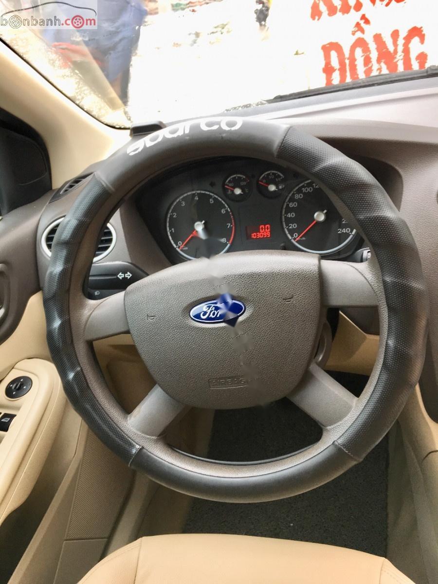 Cần bán xe Ford Focus 1.8 sản xuất 2011 giá cạnh tranh