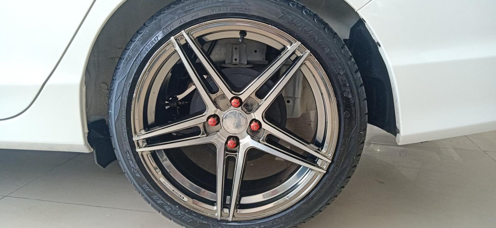 Xe Honda City 1.5 đời 2018 như mới, màu trắng, xe đẹp cực