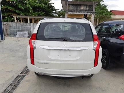 Bán ô tô Mitsubishi Pajero sản xuất 2019, màu trắng, nhập khẩu nguyên chiếc