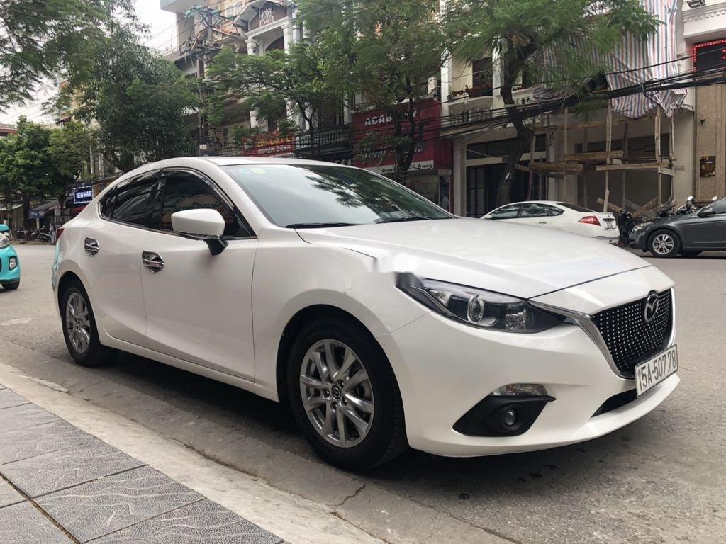 Cần bán gấp Mazda 3 đời 2016, màu trắng, giá cạnh tranh