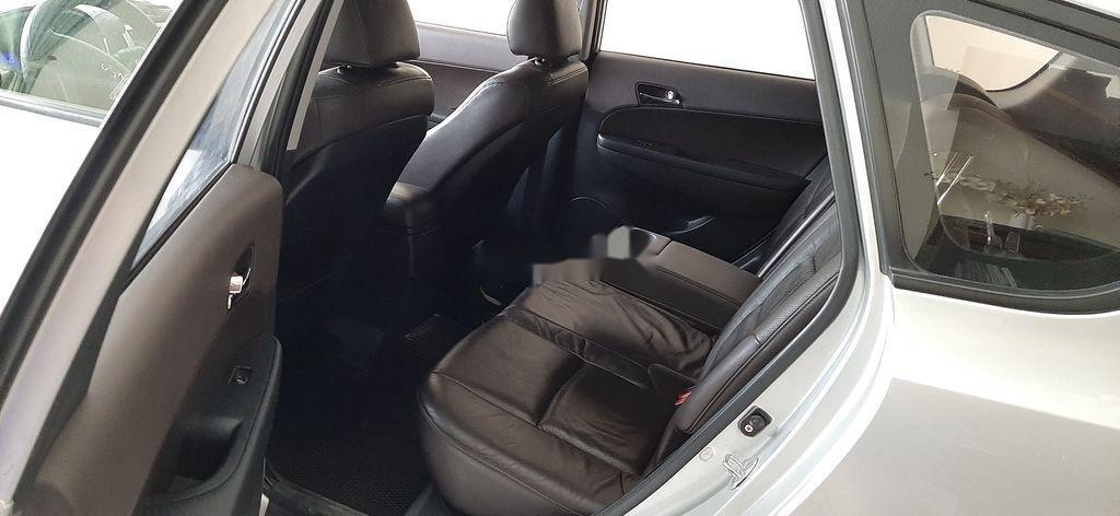 Cần bán xe Hyundai i30 đời 2010, màu bạc, xe nhập như mới