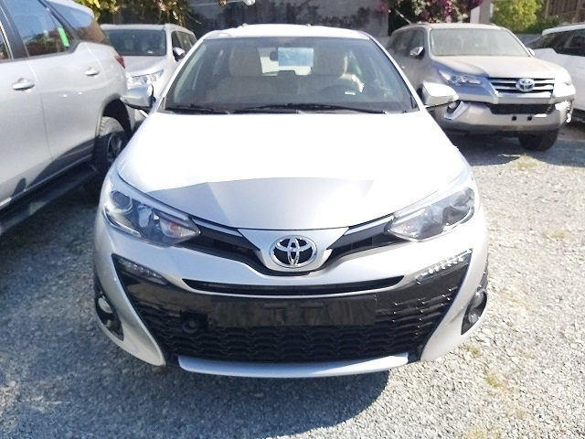 Mua trả góp Toyota Yaris G 2020 màu bạc chỉ từ 220 triệu trả trước