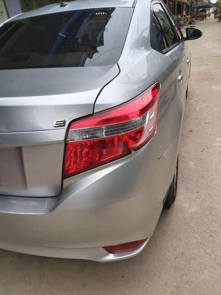 Bán ô tô Toyota Vios MT đời 2015, màu bạc giá cạnh tranh