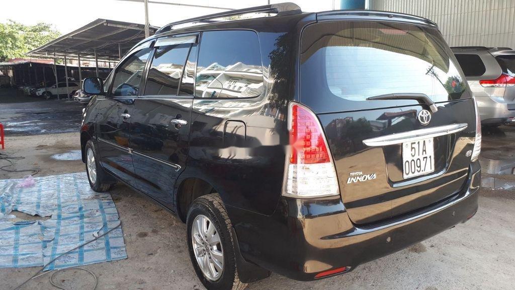Cần bán Toyota Innova sản xuất 2009, màu đen, 350 triệu