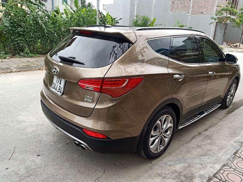 Chính chủ cần bán Hyundai Santa Fe đời 2015, giá chỉ 875 triệu