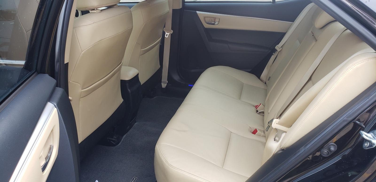 Cần bán gấp Toyota Corolla altis G sản xuất 2018, màu nâu, giá 740tr