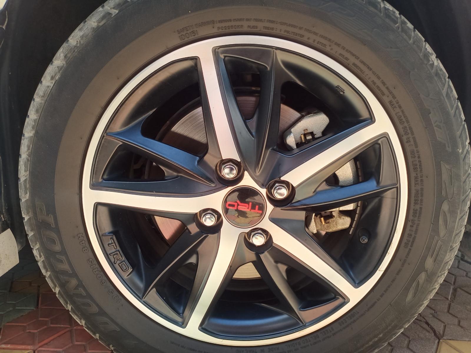 Bán Toyota Vios TRD đời 2018, màu trắng