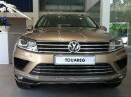 Bán Volkswagen Touareg 3.6V6 ưu đãi 5% tặng bảo dưỡng, dán phim, và quà tặng theo xe giá 2 tỷ 889 tr tại Tp.HCM