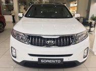 Bán ô tô Kia Sorento 2.2 DATH, máy dầu, phiên bản cao cấp năm 2018, màu trắng giá 949 triệu tại Tp.HCM