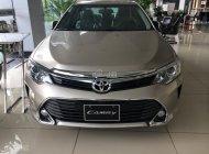 Cần bán xe Toyota Camry E đời 2018 đủ màu, giá tốt, hỗ trợ vay lên đến 90%, liên hệ 0911.404.101 giá 950 triệu tại Hà Nội