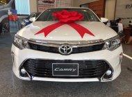 Toyota Tân Cảng bán Camry 2.0 Facelift 2018 màu trắng camay - Tặng bảo hiểm, phụ kiện, trả góp 90%- SĐT 096.77.000.88 giá 970 triệu tại Đồng Nai