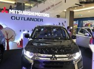 Cần bán Mitsubishi Outlander đời 2018, màu đen, giá chỉ 807 triệu giá 807 triệu tại Tp.HCM