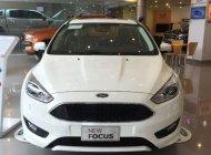 Bán xe Ford Focus 2018, màu trắng, giá tốt giá 750 triệu tại Tp.HCM