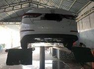 Cần bán gấp Hyundai Elantra đời 2016, màu trắng xe gia đình, giá 650tr giá 650 triệu tại Bình Thuận