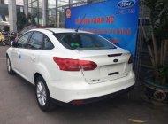 Bán Ford Focus Trend đời 2018, màu trắng giá 599 triệu tại Hà Nội