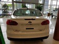 Bán Ford Focus năm sản xuất 2018, màu trắng giá 725 triệu tại Hà Nội