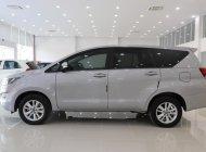 Cần bán gấp Toyota Innova G sản xuất năm 2017, màu bạc số tự động, giá tốt giá 799 triệu tại Tp.HCM