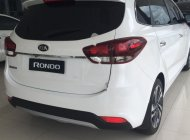 Bán xe Kia Rondo GAT năm sản xuất 2018, màu trắng giá 669 triệu tại Khánh Hòa