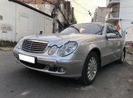 Bán Mercedes E200 năm sản xuất 2004, màu bạc  giá 420 triệu tại Tp.HCM