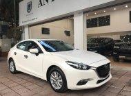 Bán xe Mazda 3 1.5 AT sản xuất 2018, màu trắng số tự động giá cạnh tranh giá 688 triệu tại Hà Nội