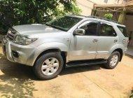 Bán Toyota Fortuner V AT đời 2010, màu bạc chính chủ giá 555 triệu tại Tp.HCM