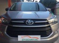 Cần bán gấp Toyota Innova 2.0 E MT đời 2017, màu bạc giá 695 triệu tại Hà Nội