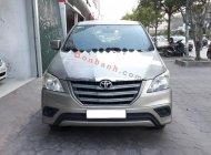 Cần bán Toyota Innova 2.0 E đời 2015, màu vàng chính chủ, giá 615tr giá 615 triệu tại Hà Nội