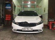 Cần bán lại xe Kia Cerato năm sản xuất 2016, màu trắng  giá 595 triệu tại Tp.HCM
