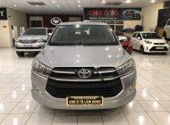 Cần bán gấp Toyota Innova 2.0E năm 2017, màu bạc số sàn giá 715 triệu tại Hải Phòng