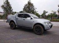 Cần bán gấp Mitsubishi Triton 2013, màu bạc xe gia đình, giá 388tr  giá 388 triệu tại Hà Nội