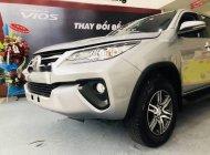 Cần bán Toyota Fortuner MT đời 2018, màu bạc giá 1 tỷ 26 tr tại Tp.HCM