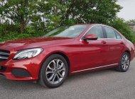 Bán xe Mercedes C200 đỏ 2018 chính hãng, trả trước 450 triệu, rinh xe về giá 1 tỷ 450 tr tại Tp.HCM