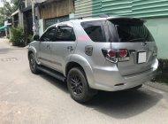 Cần bán gấp Toyota Fortuner G 2.5MT 2016, đăng ký 2017, màu bạc giá 915 triệu tại Tp.HCM