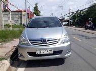 Cần bán lại xe Toyota Innova G sản xuất 2010, màu bạc chính chủ giá 395 triệu tại Tp.HCM