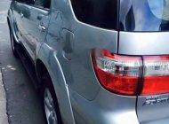 Cần bán xe Toyota Fortuner đời 2011, màu bạc, giá tốt giá 595 triệu tại Tp.HCM