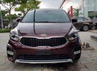 Bán Kia Rondo GAT đời 2018, màu đỏ, giao xe ngay giá 669 triệu tại Tp.HCM