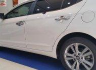 Bán Hyundai Elantra 1.6 AT năm sản xuất 2017, màu trắng, giá tốt giá 620 triệu tại Đà Nẵng
