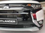 """"""" Hot """" cần Mitsubishi Outlander 2.0 sản xuất năm 2018, màu trắng, giao ngay, LH: Yến 0968.660. 828 giá 808 triệu tại Nghệ An"""