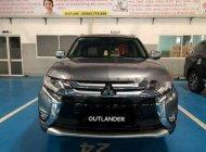 Bán ô tô Mitsubishi Outlander 2.0 CVT đời 2018, màu xám, giá 807.5tr giá 808 triệu tại Quảng Nam