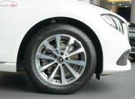 Bán Mercedes E200 đời 2018, màu trắng giá 2 tỷ 98 tr tại Tp.HCM