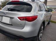 Cần tiền bán gấp xe Infiniti QX70 2016, xe màu bạc giá 2 tỷ 250 tr tại Tp.HCM