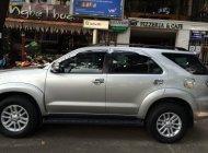 Cần bán lại xe Toyota Fortuner MT model 2013, màu bạc giá 735 triệu tại Tp.HCM