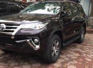 Toyota Tân Cảng bán Fortuner 2.4G máy dầu, tự động, xe giao ngay, hỗ trợ vay 90%, trả trước 270tr nhận xe - 0933000600 giá 1 tỷ 94 tr tại Tp.HCM