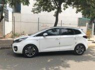 Cần bán gấp Kia Rondo MT đời 2018, màu trắng, xe gia đình giá 565 triệu tại Tp.HCM