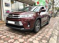 Cần bán xe Toyota Highlander cũ đời 2018 màu đỏ đun, giá cực tốt. LH 093.798.2266 giá 2 tỷ 600 tr tại Hà Nội