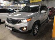 Bán Kia Sorento 2.4MT màu bạc, số sàn, 7 chỗ, máy xăng, sản xuất 2012, full options giá 518 triệu tại Tp.HCM