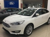 Bán Ford Focus đời 2019, màu trắng, giá tốt giá 585 triệu tại Tp.HCM