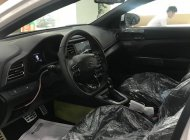 Cần bán xe Hyundai Elantra Sport 1.6 AT năm sản xuất 2019, màu trắng giá 738 triệu tại Hà Nội